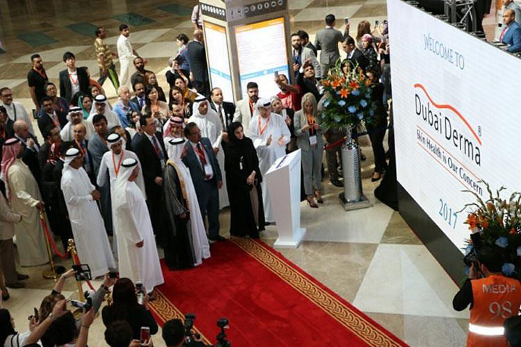 H.H. Sheikh Hasher bin Maktoum Al Maktoum Inaugurates Dubai Derma 2017